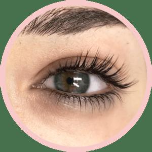 Procedimento de Flow Lashes